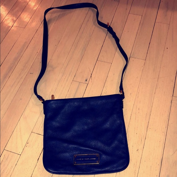 ee552dca4aee Marc By Marc Jacobs Royal Blue Crossbody Bag. M 5a46d8c05512fd2a9f133093